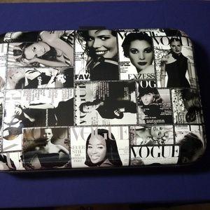 Handbags - 💝Host Pick* Vogue Hardshell Clutch
